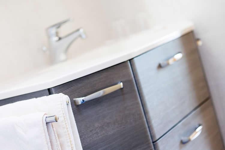 badezimmer flieder affordable fr kleine badezimmer abbildungen stilvoll kleine badezimmer. Black Bedroom Furniture Sets. Home Design Ideas